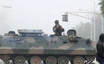 Tổng thống già muốn độc quyền, bị quân đội Zimbabwe quản thúc