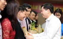 Trao kỷ niệm chương 'Vì thế hệ trẻ' cho 14 cán bộ giáo dục