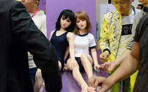 Thiếu phụ nữ, trai tráng Trung Quốc tìm búp bê tình dục