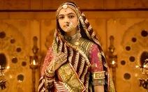 Chính khách Ấn Độ đòi giết đạo diễn phim