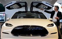 Holzhausen - người sáng tạo những thiết kế tuyệt tác của Tesla