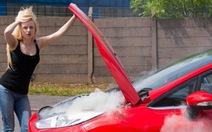 Phải làm gì khi xe hơi bị cháy?