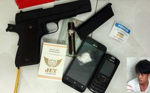 Bắt nghi phạm chơi ma túy, giấu súng ngắn 'phòng thân'