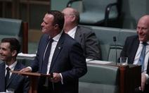 Nghị sĩ Úc cầu hôn bạn trai đồng tính trước Quốc hội