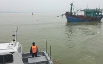 Cứu 16 ngư dân Bình Định trên tàu cá gặp nạn