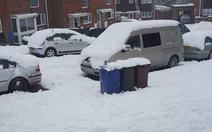 Tuyết dày 'đông cứng' nước Anh