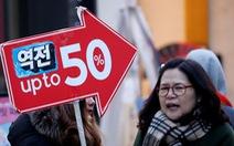 Mùa Giáng sinh, dân Hàn bớt mua sắm