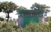 Hà Nội: Hàng chục toilet công cộng mới hoạt động đã 'bí bét'