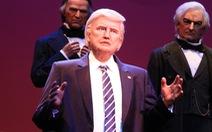 """Mô hình ông Donald Trump """"phát biểu"""" tại Đại sảnh Tổng thống"""