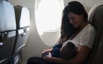 7 cách để giữ em bé ngoan ngoãn trên máy bay