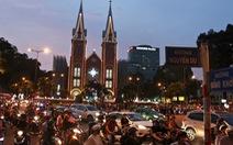Trung tâm Sài Gòn đông nghẹt đêm Giáng sinh