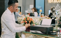 Một ngày làm việc của ông chủ tiệm hoa đất Sài Thành