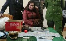 Bắt quả tang nữ hành khách cùng 3 bánh heroin trên xe khách