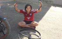 'Chàng dế mèn' đạp xe xuyên Đông Nam Á