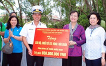 Lãnh đạo TP.HCM thăm chiến sĩ và nhân dân trên đảo Tây Nam