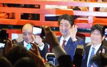 Thủ tướng Việt Nam cùng Thủ tướng Nhật dạo phố cổ Hội An