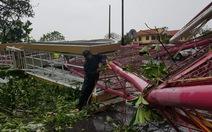 Những hình ảnh mới nhất từ tâm bão số 10