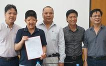 Bé Bôm của Quốc Tuấn nhận học bổng âm nhạc