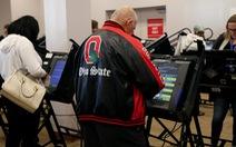 Máy bỏ phiếu của Mỹ đã bị 'bẻ khóa' trong 90 phút