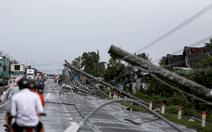 Gần 1.500 khách đi tàu phải dừng dọc đường do bão