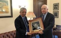 Thượng tướng Nguyễn Chí Vịnh gặp ông John McCain tại Mỹ