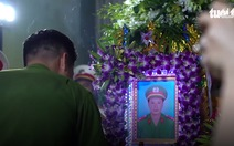 Thăng quân hàm đại úy cho anh Phạm Phi Long