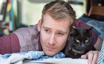 Chàng trai nghỉ việc đi du lịch cùng mèo cưng
