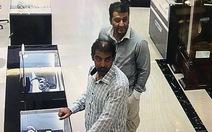 Bắt hai nghi phạm người nước ngoài trộm đồng hồ