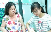 Cô gái 10 năm chăm mẹ, vượt gian nan vào đại học