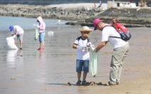 Ngày cuối tuần đi làm sạch biển