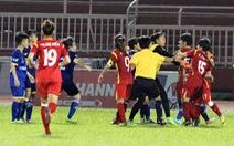 6 cầu thủ nữ bị cấm thi đấu 5 tháng vì đánh nhau trên sân