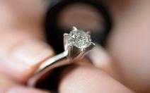 Tại sao chúng ta lại bị kim cương thu hút?