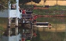 Lật thuyền trên hồ, 2 thiếu niên chết đuối thương tâm