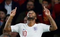 Sterling tỏa sáng,  Anh 'phục thù' thành công Tây Ban Nha