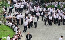 Hàng trăm tài xế taxi đến tòa theo dõi vụ kiện Vinasun - Grab