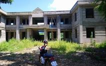 Nhiều công sở xã nghèo xây dang dở, bỏ hoang