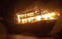 Tàu cá nổ giữa biển 12 ngư dân chết và bị thương
