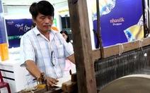 Dựng lại cơ đồ từ sự điêu tàn của làng lụa Mã Châu