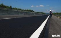 Cầu, hầm cao tốc Đà Nẵng - Quảng Ngãi thấm nước