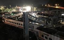 Tàu lửa Đài Loan trật bánh, 18 người chết, hơn 140 người bị thương