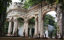 Tiếp tục tháo dỡ biệt thự số 237 Nơ Trang Long