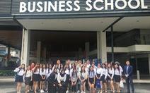Sinh viên ICAEW Việt Nam trải nghiệm tại Singapore