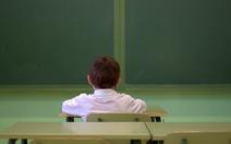 Anh dạy học sinh 'đối phó' cô đơn