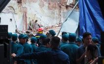 Vụ bà cụ thoát chết ở Hà Nội: tường sập khi đang phá dỡ nhà