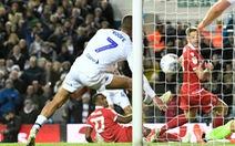 'Bàn tay của chúa' tái hiện ở trận Leeds United - Nottingham