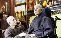 Thiền sư Thích Nhất Hạnh về đến tổ đình Từ Hiếu