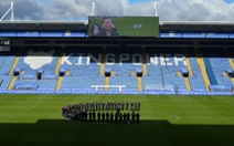 Cầu thủ đội Leicester City tưởng niệm chủ tịch Vichai quá cố