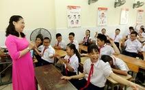 Cô giáo truyền lòng yêu thương