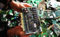 Trung Quốc bị tố gài chip vào Apple, Amazon