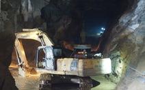 Tìm được thi thể đầu tiên trong hang Cột Cờ